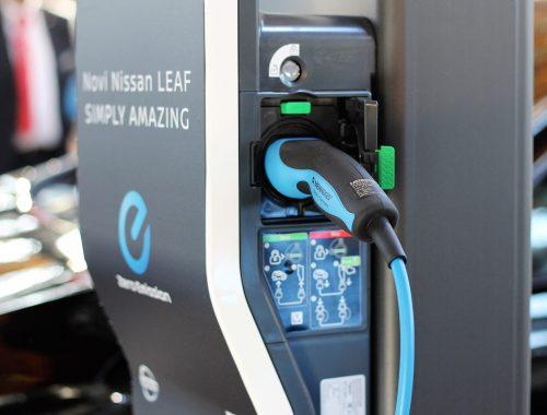 nissan leaf baterijos kaina